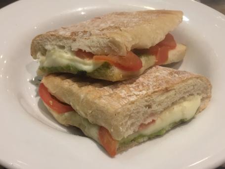 cheese-and-tomatoe-toastie