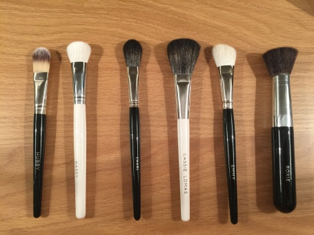 black-and-white-brushes-lined-up